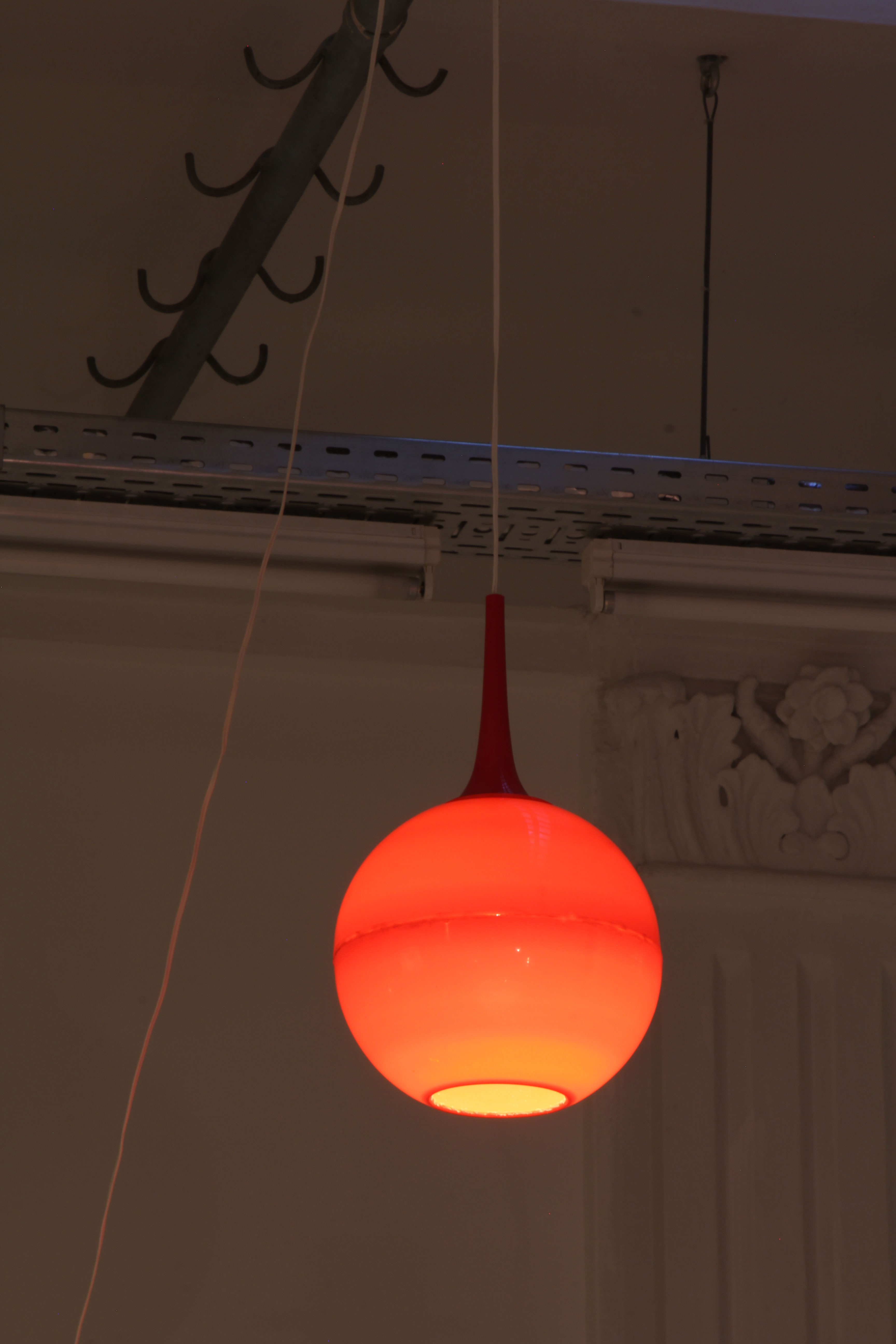 Lyutakov-lamp-sputnik